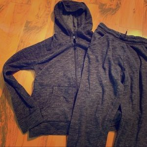 Kids Old Navy sweatsuit hoodie and joggers XL